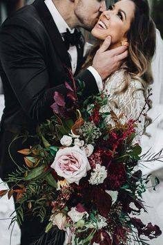 burgundy moody weddi