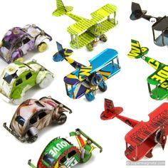 Auto's en vliegtuigen uit oude blikjes met sterke magneten aan de onderkant - supermagnete.be