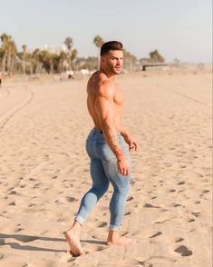 Barefoot Men, Hot Hunks, Muscular Men, Athletic Men, Shirtless Men, Man Photo, Hairy Men, Butt Workout, Workout Exercises