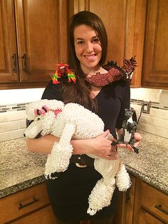 Woman's Rainbow Loom Animals Are Bringing Cheer to People Who Need It http://www.peoplepets.com/people/pets/article/0,,20876831,00.html