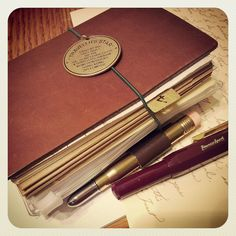 Midori Traveler's Notebook, with Kaweco fountain pen Kaweco Fountain Pen, Fountain Pens, Homemade Journal, Calligraphy Pens, Pen Case, Handmade Books, Lettering, Pen And Paper, Leather Journal