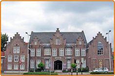 Gemeente Roermond realiseert hier het Cuypershuis, een eigentijds museum over architect/ontwerper Pierre Cuypers en actuele vormgeving.