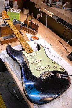 Fender Stratocaster Mexico, Fender Guitars, Fender Vintage, Vintage Guitars, Guitar Inlay, Guitar Room, Studio Equipment, Let's Have Fun, Cool Guitar