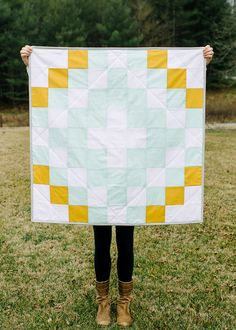 Square Baby Quilt (White, Mint, Mustard)