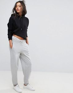 Buy Calvin Klein Jeans Jogger with Logo at ASOS. Get the latest trends with ASOS now. Calvin Klein Women, Calvin Klein Jeans, Joggers Outfit, Grey Joggers, Jogger Sweatpants, Sporty Chic, Fall Outfits, Teen Fashion, Moda Femenina