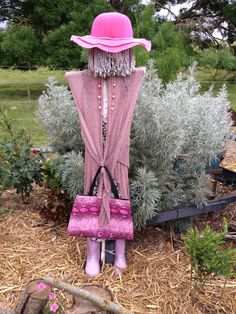 My pink lady in the side garden 2014 Garden Whimsy, Garden Junk, Garden Deco, Garden Yard Ideas, Garden Shop, Garden Crafts, Lawn And Garden, Garden Projects, Side Garden