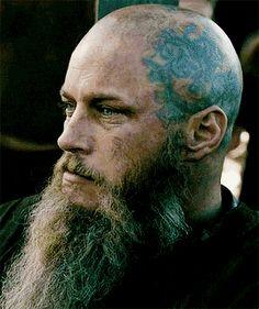 Miss you Ragnar ☹️ Ragnar Lothbrok Vikings, Lagertha, Vikings Tv Series, Vikings Tv Show, Bald Head Tattoo, Viking Wallpaper, Vikings Season 4, Viking Character, Viking Quotes