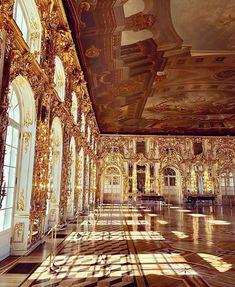 #evening #catherinepalace #saintpetersburg #russia #inspiration #courtesy of @globalally Palace, Tower, Building, Saint Petersburg, Russia, Instagram, Inspiration, Biblical Inspiration, Rook