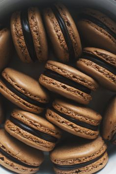 Easy and delicious Macarons with a crisp exterior and chewy soft interior. The malted chocolate macaron shell will steal your heat. Cream Aesthetic, Brown Aesthetic, Aesthetic Food, Bebidas Do Starbucks, Food Wallpaper, Macaron Recipe, Chocolate Ganache, Chocolate Color, Chocolate Brown