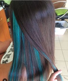 Pin by Ariana Z on Style in 2019 Under Hair Dye, Under Hair Color, Hidden Hair Color, Hair Color Underneath, Blue Hair Streaks, Blue Hair Highlights, Under Highlights, Dyed Hair Blue, Peekaboo Hair Colors