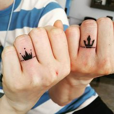 Matching Couple Tattoos Ideas--His & Hers King And Queen Tattoo, couple tattoo ideas, couple tattoos, matching couple tattoos, couples tattoo Matching Couple Tattoos Ideas--His & Hers King And Queen Tattoo Married Couple Tattoos, Small Couple Tattoos, Crown Couple Tattoo, Disney Couple Tattoos, Married Couples, Trendy Tattoos, Tattoos For Women, Tattoo Ringe, Him And Her Tattoos