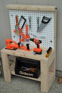 Woodworking For Kids DIY work bench for kids Gideon's Travels: Construction Birthday Party Woodworking For Kids, Woodworking Toys, Woodworking Projects, Projects For Kids, Diy For Kids, Wood Projects, Kids Tool Bench, Toddler Tool Bench, Boy Room