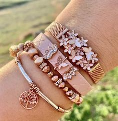 Shop Stella & Dot for jewelry, bags, accessories, and clothing for trendy women. Keep Jewelry, Cute Jewelry, Jewelry Accessories, Women Jewelry, Pandora Bracelet Charms, Pandora Jewelry, Fashion Rings, Fashion Jewelry, Jewelry Design Drawing