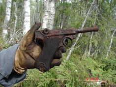 Battlefield finds of the SS-Nord Division - para Luger
