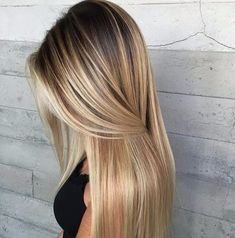 Balayage hair will refresh your look and fix some flaws in the appearance. Find out what balayage highlights will suit your hair length, type and texture. Hair Color Balayage, Ombre Hair Color, Blonde Balayage, Hair Highlights, Bayalage, Haircolor, Ombre Style, Brown Balayage, Color Highlights