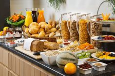 Ideas Breakfast Buffet Continental Hotels For 2019 Breakfast Buffet Table, Breakfast Bar Kitchen, Brunch Buffet, Best Breakfast, Breakfast Recipes, Hotel Breakfast Buffet, Breakfast Catering, Hotel Buffet, Petit Déjeuner Continental