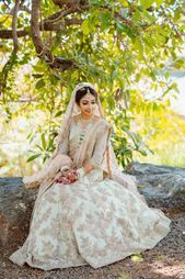 Golden Bridal Lehenga, Indian Bridal Sarees, Bridal Looks, Bridal Style, Lehenga Color Combinations, Sikh Bride, Pastel Outfit, Patiala Salwar, Lehenga Designs