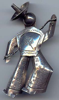 VINTAGE 1940'S MEXICAN SILVER FIGURAL PIN