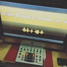 Tarde y noche mezclando el lp de @gordo_master en @showtimeestudio.  [Contacta con el estudio para grabar mezclar y masterizar tu proyecto en hola@ShowtimeEstudio.com o a través de la web]  #gordomaster #visionario #showtimeestudio #grabacion #mezcla #masterización #mastering #rap #hiphop #rapespañol #hiphopespañol #musica #malaga #bighozone