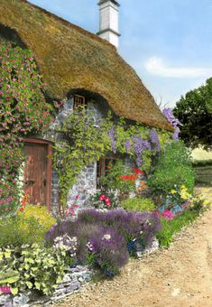 Beautiful flowers, crawlers and a thatched roof. English Cottage Style Garden Beautiful flowers, crawlers and a thatched roof. Style Cottage, Cute Cottage, Cottage Homes, Cottage Bedrooms, Cottage Interiors, Cottage Kitchens, Cottage Living, Storybook Homes, Storybook Cottage
