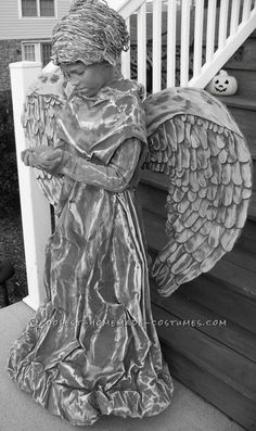 weeping angel costume for Halloween? Diy Halloween Costumes For Kids, Halloween Kostüm, Halloween Cosplay, Holidays Halloween, Cool Costumes, Halloween Decorations, Costume Ideas, Halloween Makeup, Cosplay Costumes