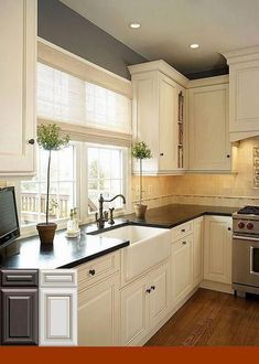 Traditional Antique White Kitchen Welcome! This photo gallery has pictures of kitchens featuring cream or antique white kitchen cabinets in traditional styles Tags ; Off White Kitchen Cabinets, Off White Kitchens, Kitchen Cabinets Decor, Farmhouse Kitchen Cabinets, Modern Farmhouse Kitchens, Kitchen Cabinet Design, Kitchen Redo, New Kitchen, Home Kitchens