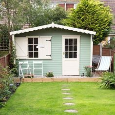 Garden with painted summerhouse | Easy garden transformations | Garden | PHOTO GALLERY | Housetohome.co.uk