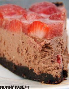 Chocolate and Strawberry Mascarpone Cheese Cake | http://mummymade.it/2014/10/chocolate-and-strawberry-mascarpone-cheese-cake.html