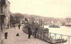 Paris, Bas Meudon, bateaux mouches Parisiens, type hirondelle