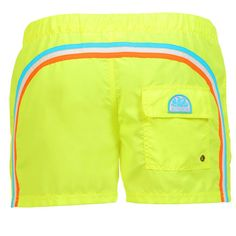 SWIM SHORTS WITH ELASTIC WAISTBAND AND BUTTON CLOSURE COLOR FLUO YELLOW Fluo yellow short boardshorts with the three classic rainbow bands on the back elastic. Adjustable waistband. Snap button fastening and zip fly. Internal mesh. Two front pockets. A Velcro back pocket Sundek logo on the back. COMPOSITION: 100% POLYESTER. Our model wears size 32 he is 189 cm tall and weighs 86 Kg.