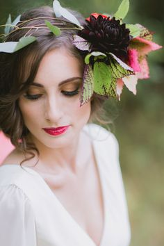Fall floral wedding inspiration | Photo byTori Watson of Marvelous Things Photography | Read more - http://www.100layercake.com/blog/?p=78183 #fall #floralcrown