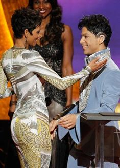 Prince and Halle Berry Prince Images, Photos Of Prince, Princes Fashion, The Artist Prince, Prince Purple Rain, Roger Nelson, Prince Rogers Nelson, Purple Reign, My Prince