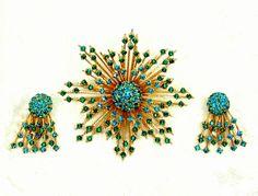 Vintage Warner Emerald Rhinestone Jewelry Set, Starburst Brooch, Clip Earrings by imagiLena on Etsy #pottiteam