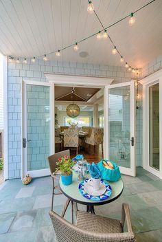 A House in Manhattan Beach That Loves the Blues