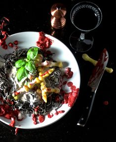 Spaghetti AFRAID-O with White Carrot Phalanges - Taste With The Eyes Black Bean Spaghetti, Spaghetti Recipes, Marinara Sauce, Serving Plates, Original Recipe, Carrots, Dishes, Eyes, Halloween