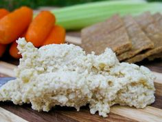 Basic Raw Cashew Cheese - Healthy Blender Recipes 2 cups raw cashews soaked in filtered water for 2 – 4 hours (soaking is optional) 1/4 cup – 1/2 cup filtered water as needed for desired consistency 1/4 cup freshly squeezed lemon juice 1/2 cup nutritional yeast 4 cloves fresh garlic minced 1 tsp Celtic sea salt 1 tsp granulated garlic (optional) 1 Tbsp freshly chopped flat leaf parsley (optional)