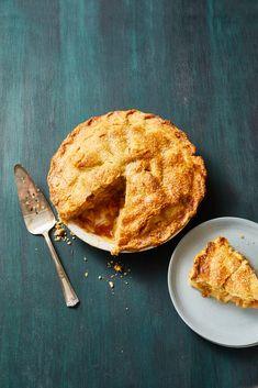 Caramel Apple Piegoodhousemag Salted Caramel Apple Pie, Caramel Apples, Golden Delicious Apple, Coconut Custard Pie, Apple Pie Recipes, Apple Slices, Fresh Lemon Juice, Good Food