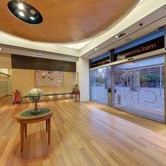 Hall planta baja. CINC, Centro de negocios en Barcelona.