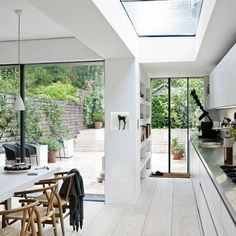 Terrace House ideas Victorian terrace in east London Kitchen-diner ← Back to Article / Find more // Style At Home, Interior Exterior, Interior Architecture, Futuristic Architecture, Kitchen Interior, House Extensions, Kitchen Extensions, Open Plan Living, Open Plan Kitchen Dining Living