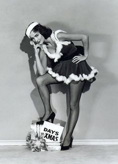 The Christmas pinup of the day is Julie Adams…. The Christmas pinup of the day is Julie Adams…. Old Hollywood Stars, Vintage Hollywood, Classic Hollywood, Julie Adams, Nostalgia, Vintage Holiday, Retro Christmas, Christmas Photos, Christmas Time