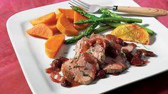 Filet de veau aux canneberges, au sirop d'érable et à l'orange | Recettes IGA | Sauce, Gingembre, Recette facile