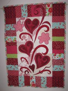 February wall hanging copied ideas from several other designs and came up with this. Easy Quilts, Small Quilts, Mini Quilts, Patch Quilt, Applique Quilts, Quilting Projects, Quilting Designs, Miniature Quilts, Landscape Quilts