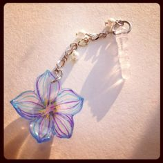 花のイヤホンジャック flower earphone jack  Tags: shrinkplastic プラ板 shrinkydinks earphone jack flower プラバン