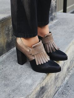 45085ad6673 182 Best Shoes images in 2019