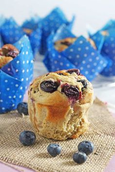 Delicious and super healthy, these gluten free Oat & Blueberry Blender Muffins are so easy to make and nutritious enough to have for breakfast! #healthymuffinrecipes #breakfastmuffins #glutenfreerecipes #healthybreakfastideas Gluten Free Muffins, Gluten Free Oats, Gluten Free Recipes, Dairy Free, Healthy Muffins, Baby Snacks, Muffin Recipes, Baby Food Recipes, Healthy Recipes