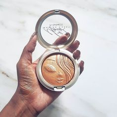My Mimi highlighter from the Mac x Mariah Carey Collection is one of my faves for the month. Its a warm gold shimmer Watch my monthly favourites on YouTube...link in bio. #macmariahcarey