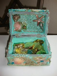 ILuvVintageScrap: Lindy Stamp Gang Under The Sea Contest - Mermaid Treasure Box & Card