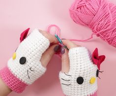 This glove pattern is very basic and in this video i show how i customize it to Hello Kitty gloves, Rilakkuma gloves and Mickey Mouse gloves. If you don't know how to crochet - don't worry, this tutorial is very easy and great for beginners.