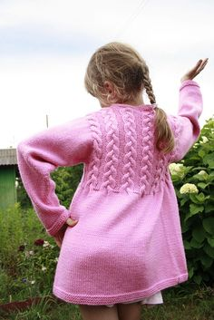 Ravelry: Project Gallery for Venezia Sport Cable Cardigan pattern by Vera Sanon Kids Knitting Patterns, Knitting For Kids, Free Knitting, Knit Cardigan Pattern, Cable Cardigan, Girls Sweaters, Baby Sweaters, Toddler Cardigan, Lana