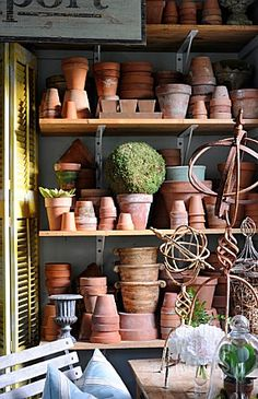 POTTING_SHED_DETAIL_IN_MAR_JENNINGS_GARDEN__CONNECTICUT__USA